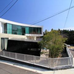城南区!デザイン性富んだ邸宅登場!